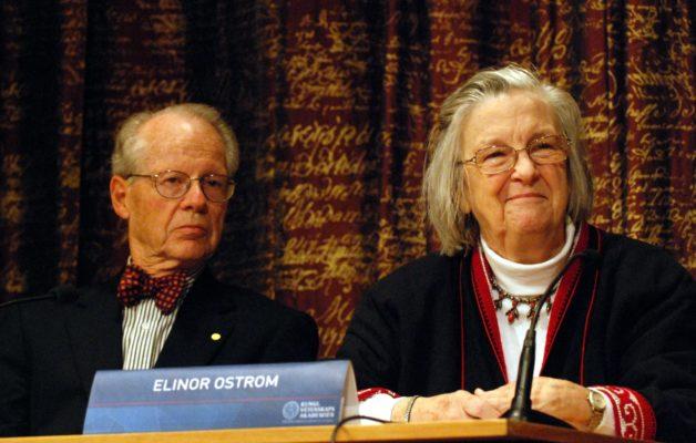 Elinor Ostrom, de vrouw achter het gebouw